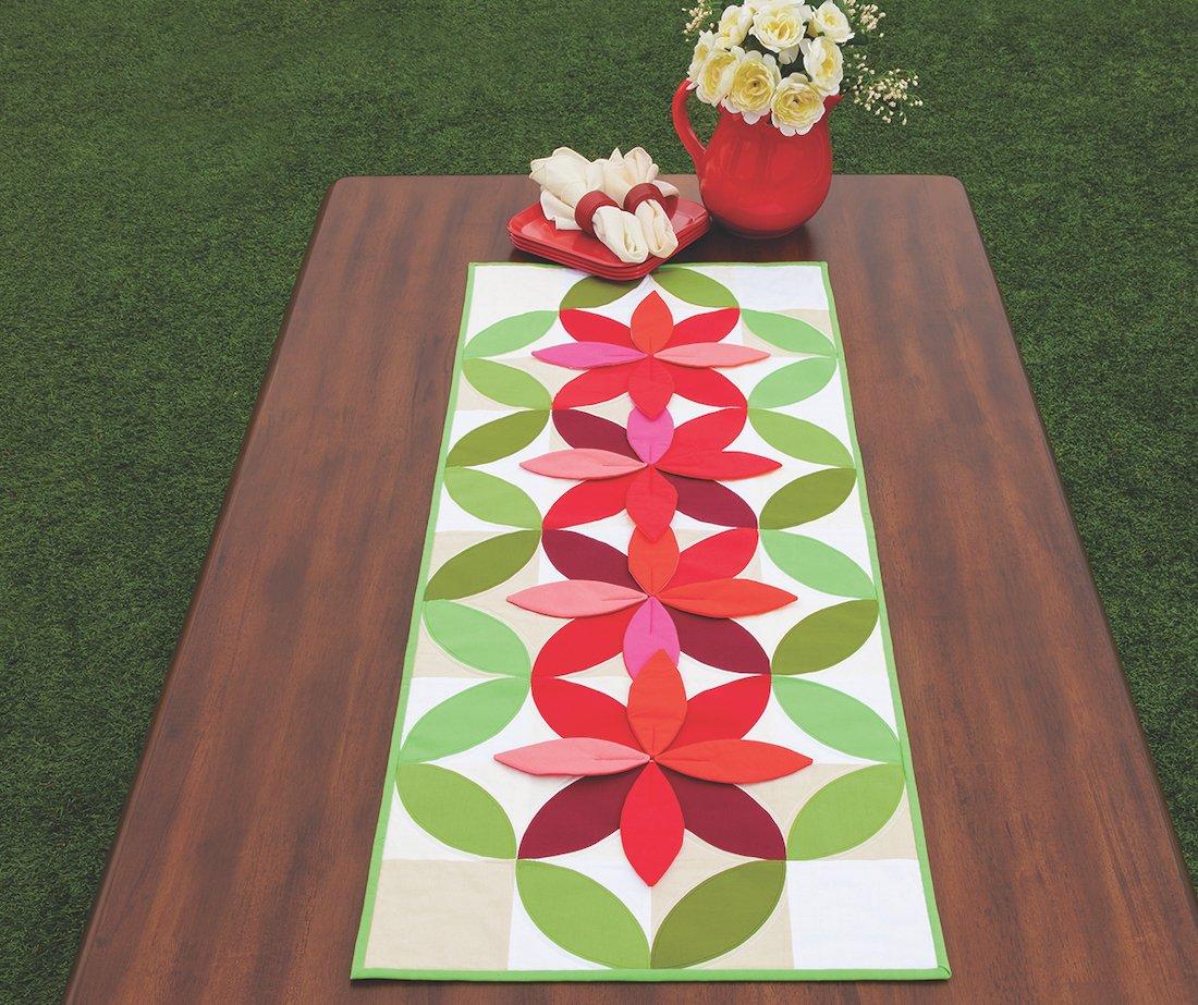 3D flower quilt pattern table runner