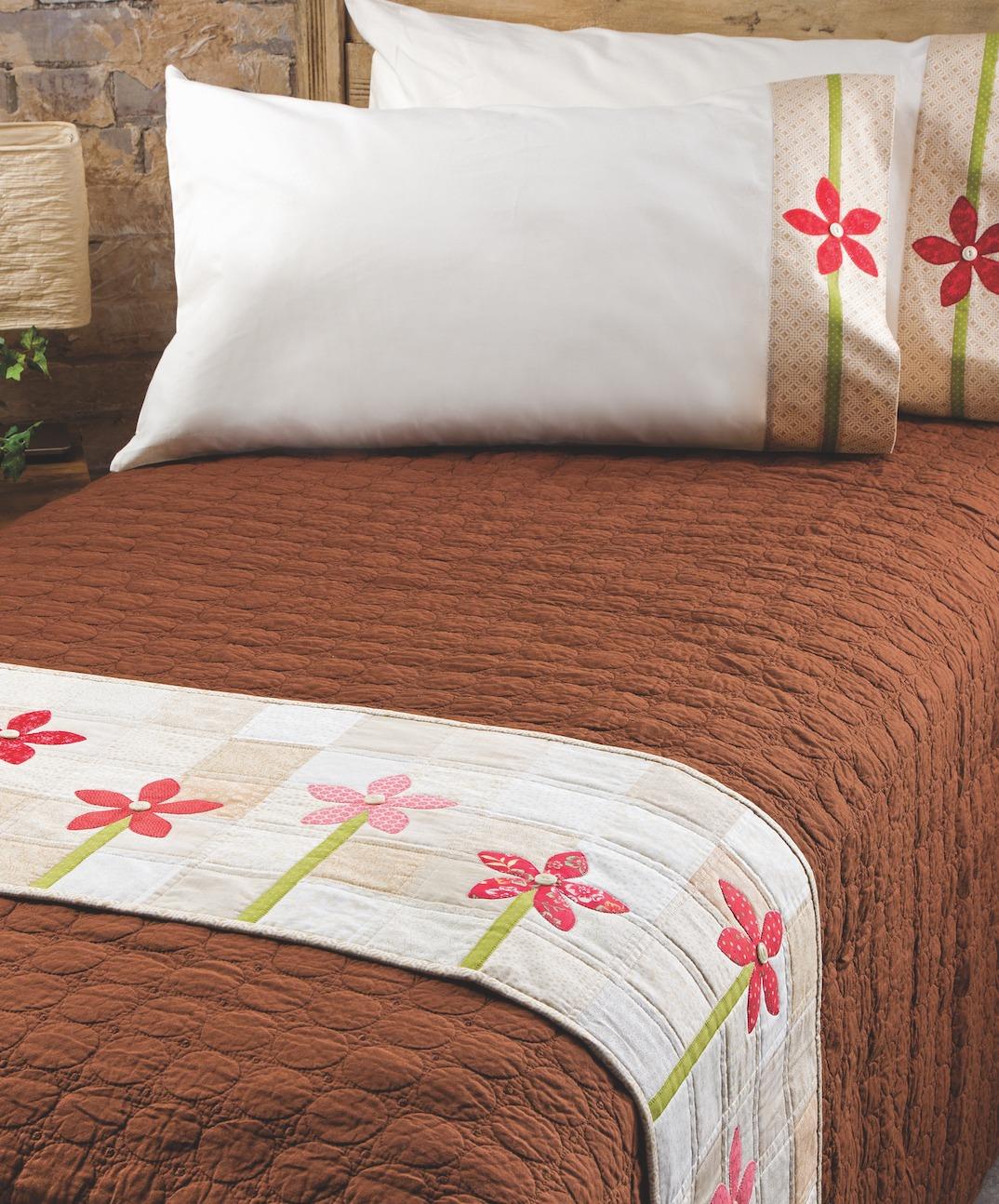growing flower quilt bed runner pillowcase
