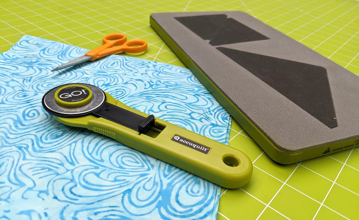 rotary cutter scissors Accuquilt quilting fabric