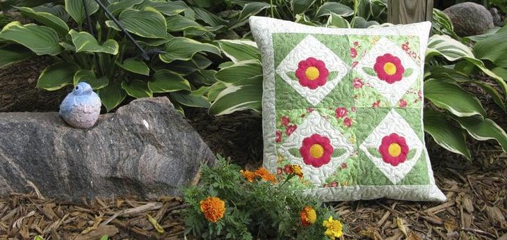 Rosy Applique Pillow Tutorial