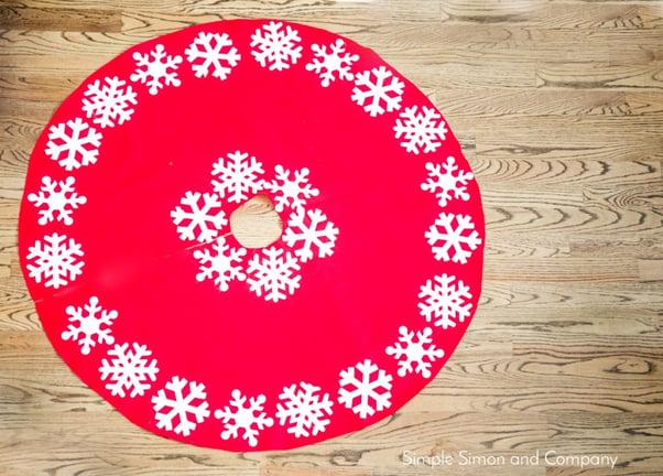 snowflake tree skirt1