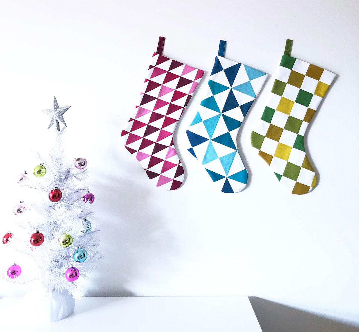 modern quilting design holiday stocking quilt pattern