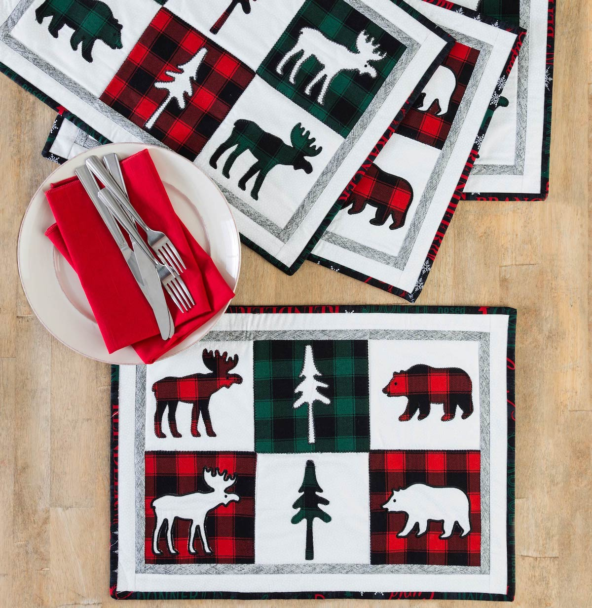 PQ11506-northwoods-holiday-placemats-lifestyle-WEB-blog
