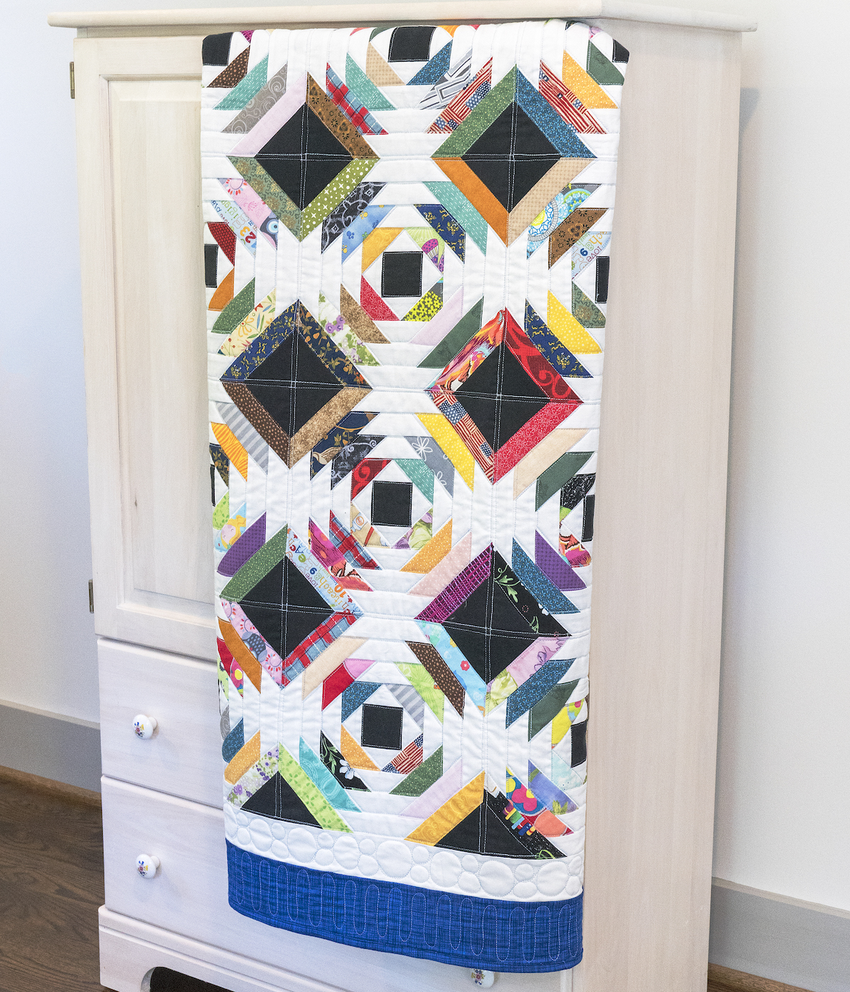 PQ11549-scrappy-pineapple-quilt-lifestyle-2-blog
