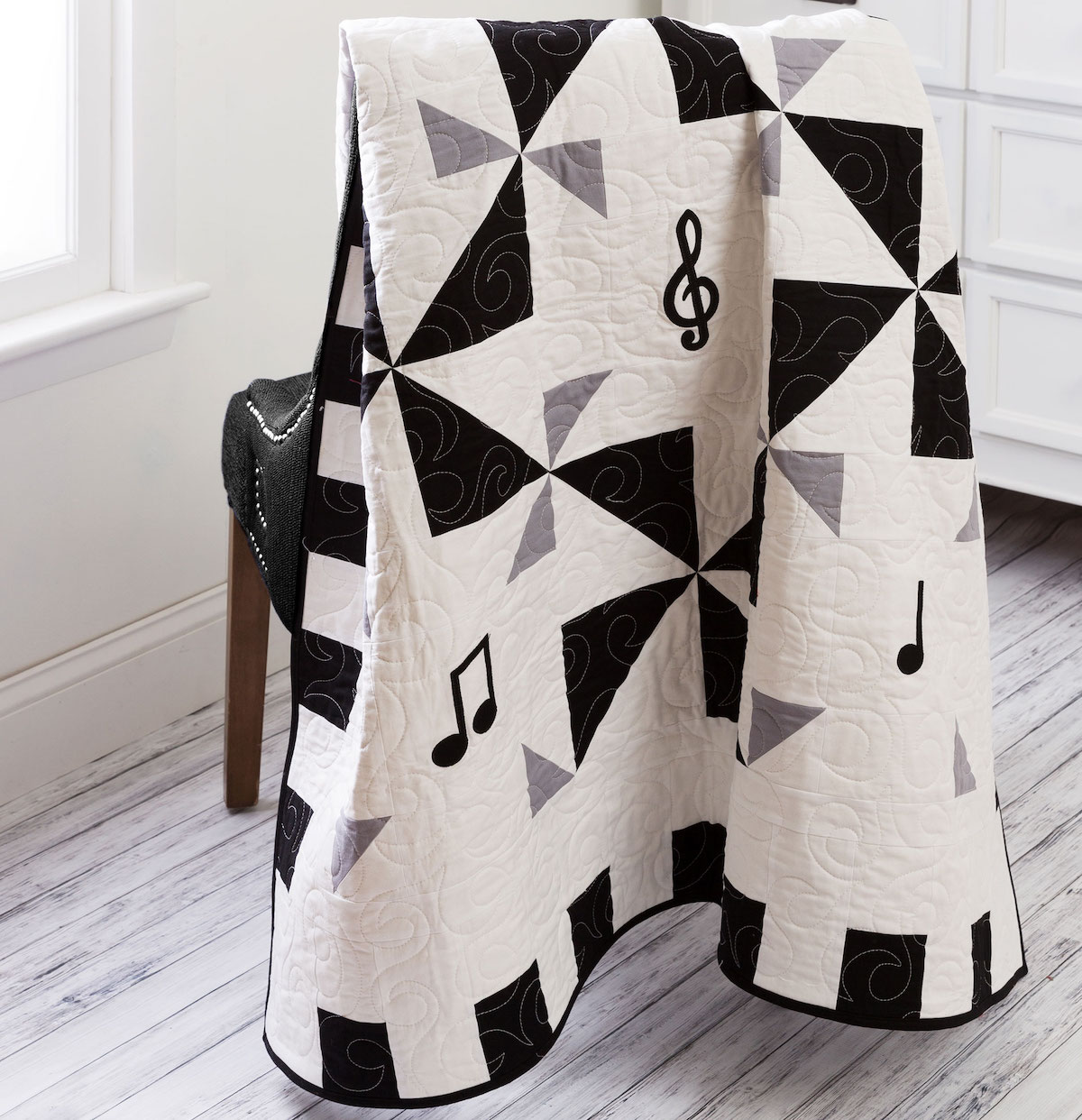 PQ11592-12-music-to-my-ears-quilt-lifestyle-WEB-blog