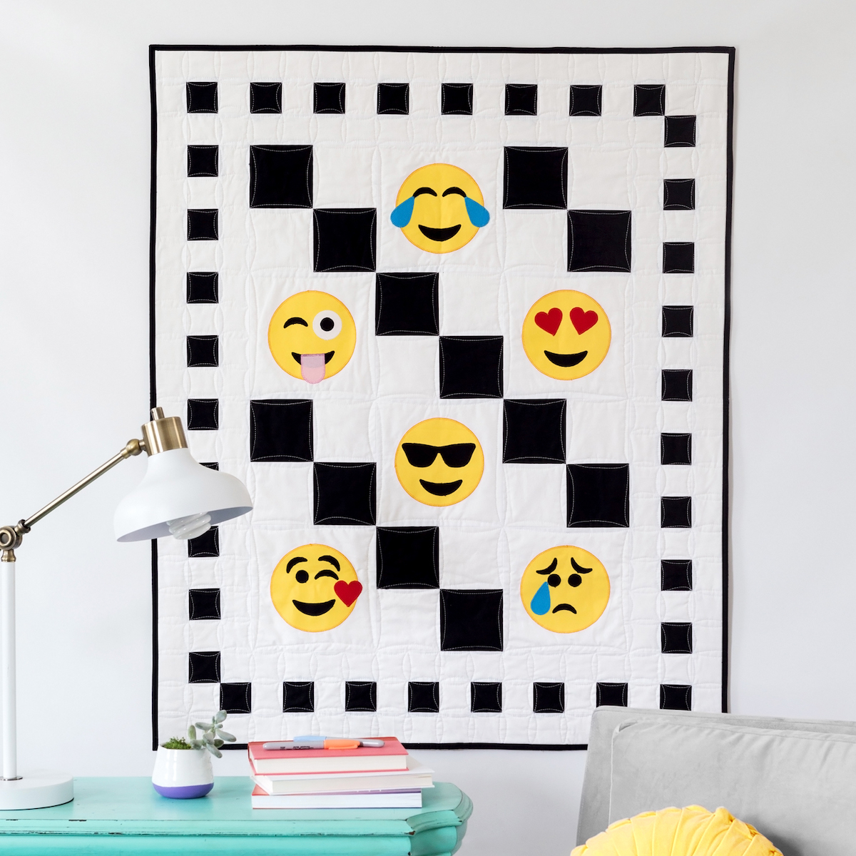 PQ11610-checkered-emojis-lifestyle-1500x1500-blog