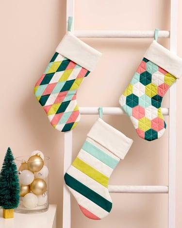 PQ11651-modern-stockings-lifestyle-WEB-featured-blog-1