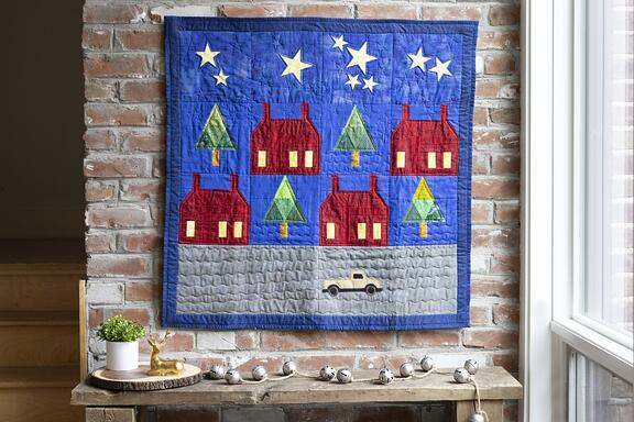 Stars and School Houses Wall Hanging_web