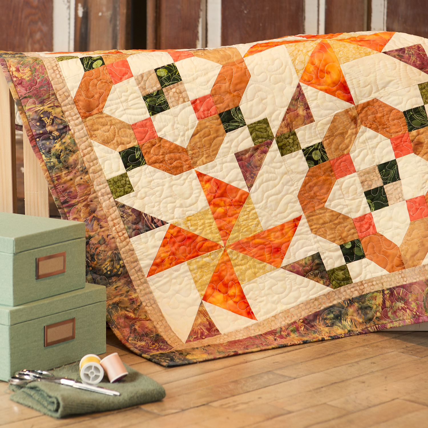 PQ11087-spinner-squares-lifestyle-1500x1500-1