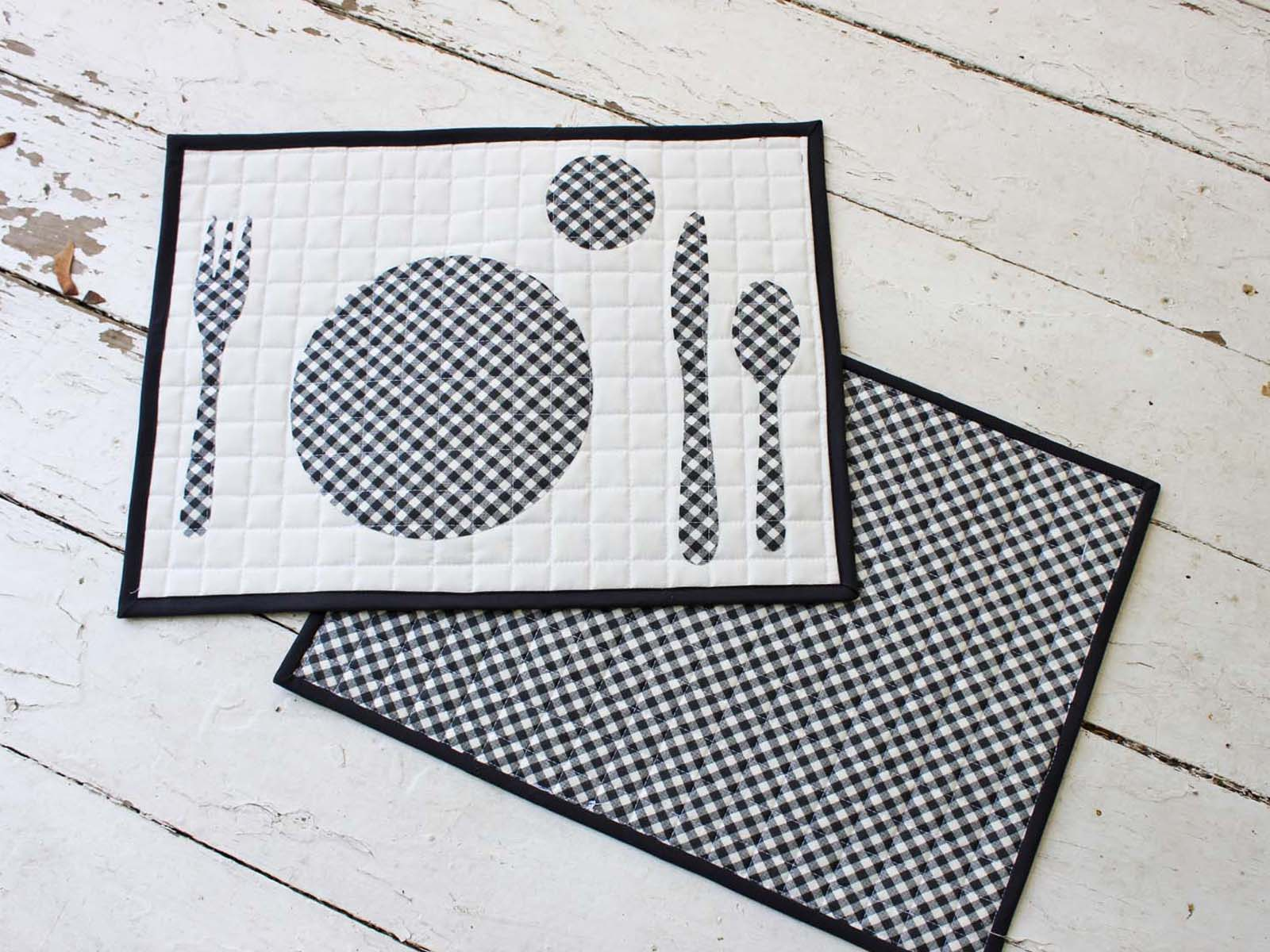 reversible quilted placemats in buffalo check