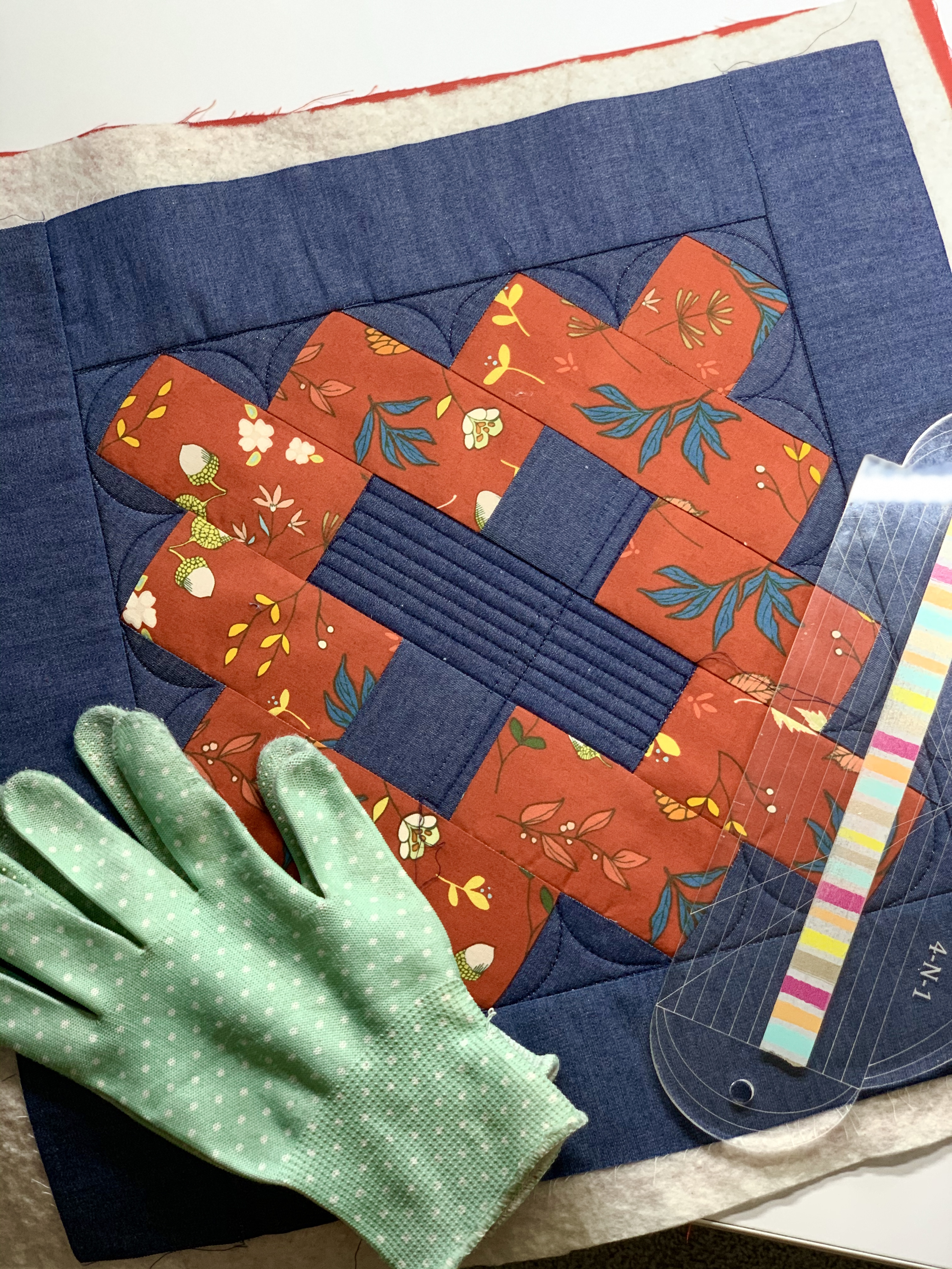sandwiched placemat free motion quilting