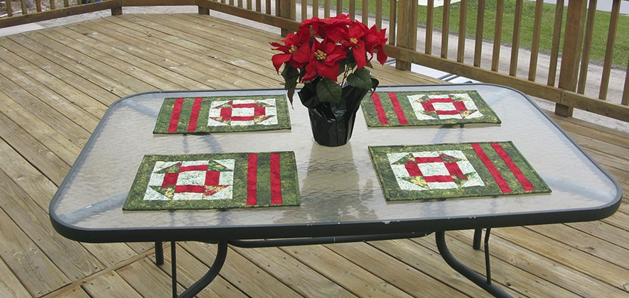 Tutorial for the AccuQuilt placemats and center piece