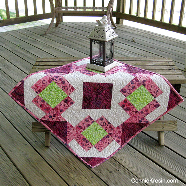 Churn Dash Medallion Table Topper