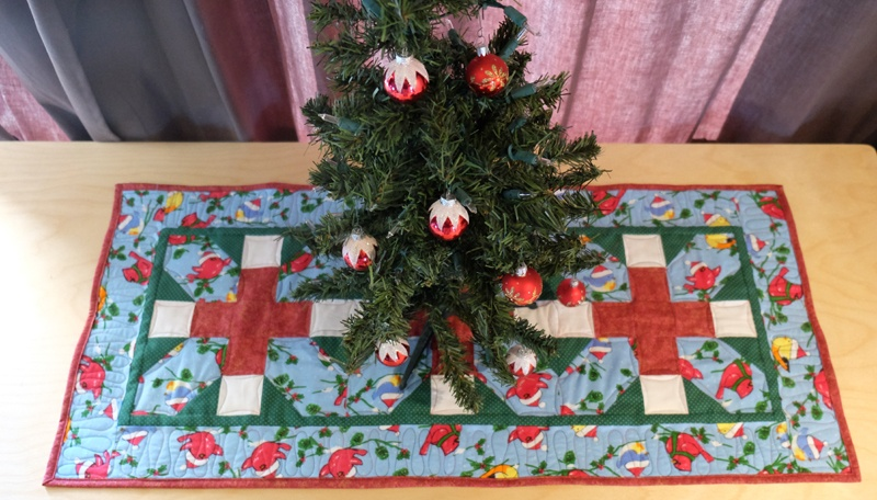 christmas qube table topper