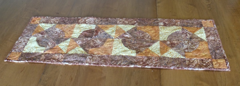 """8"""" Qube and companion table runner by beaquilter1"""