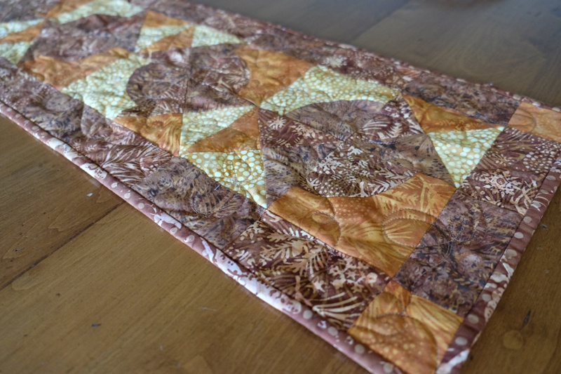 """8"""" Qube and companion table runner by beaquilter13"""