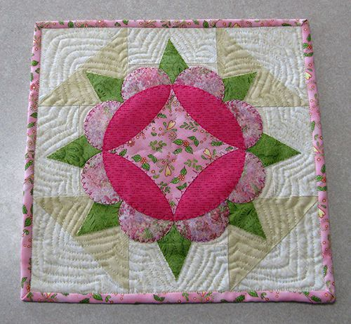 Use one block for a appliqued table topper