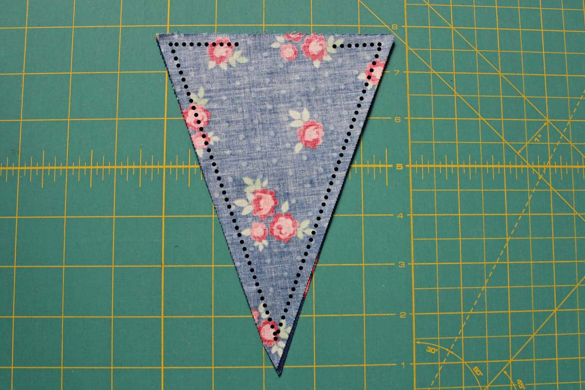 Step_4_sew_two_pennants together
