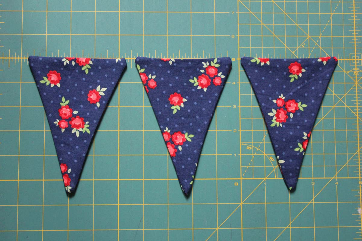Step_5_turn pennants right sides out